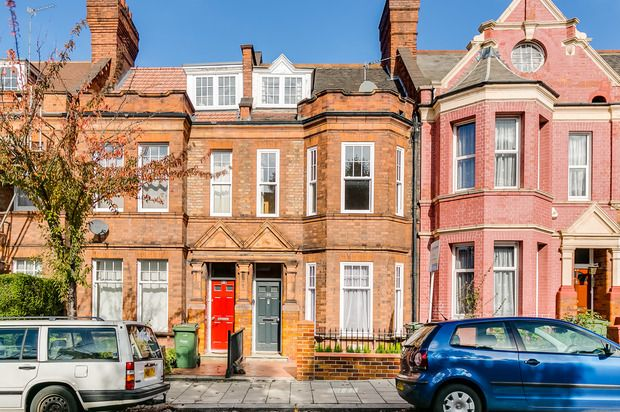 Thumbnail Terraced house for sale in Amesbury Avenue, Streatham