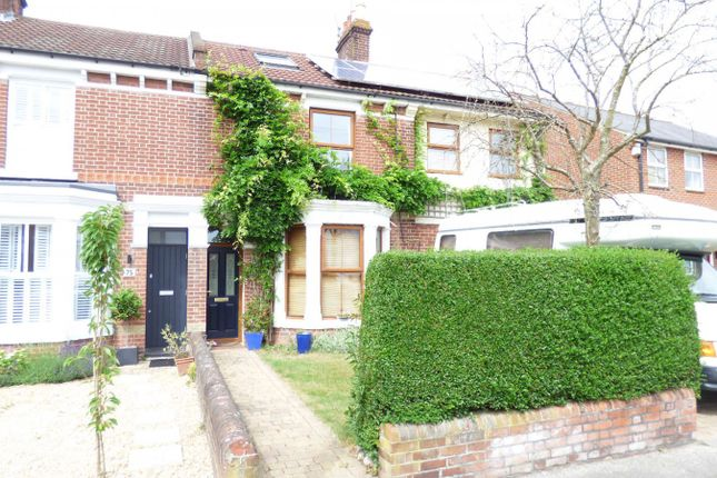 2 bed flat to rent in Priory Road, Gosport