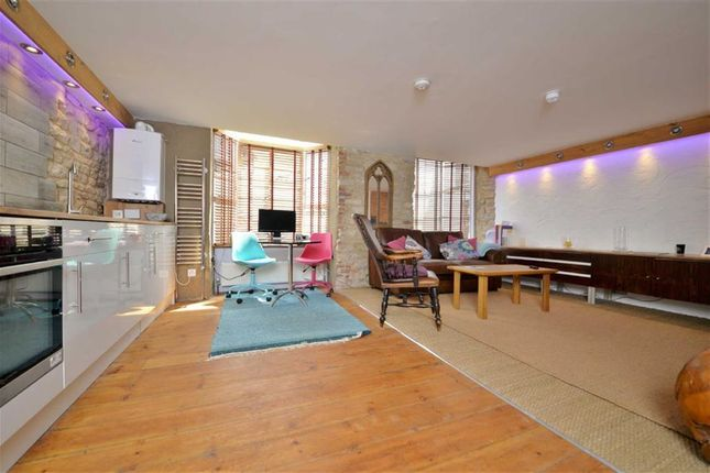 Thumbnail Flat to rent in Oxford Street, Woodstock