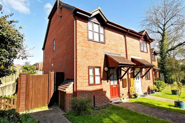 Thumbnail Property for sale in Tudor Court, Tadley