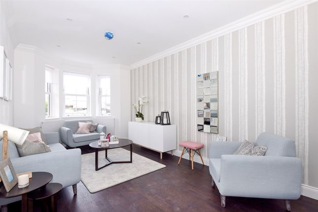 Thumbnail Town house for sale in Athenlay Road, London