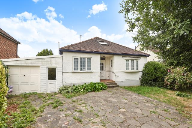 Thumbnail Detached bungalow to rent in Devonshire Road, Finchley
