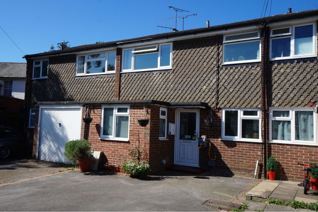 Thumbnail Terraced house for sale in Oak Farm Close, Blackwater