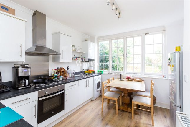 Flat to rent in Wentworth Road, London