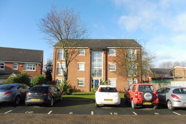 Thumbnail Flat to rent in Redfield Croft, Leigh