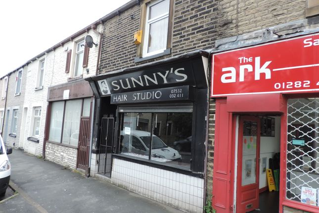 Retail premises to let in Colne Road, Burnley