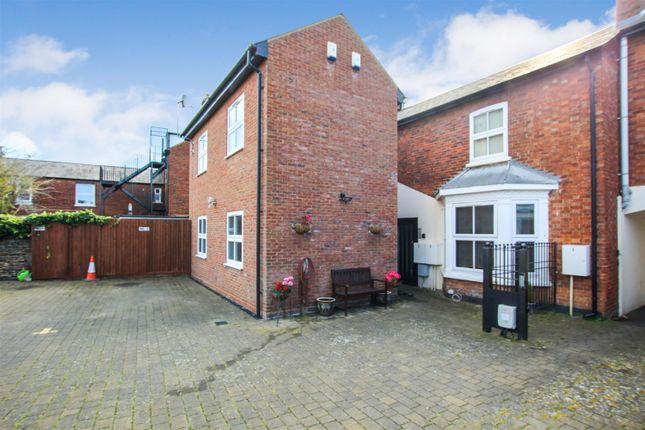Thumbnail Flat to rent in Hockliffe Street, Leighton Buzzard