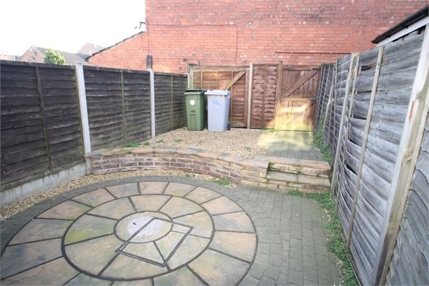 Picture 2 of Sleaford Road, Newark, Nottinghamshire. NG24