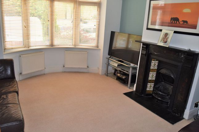 Lounge of Wyles Road, Chatham ME4