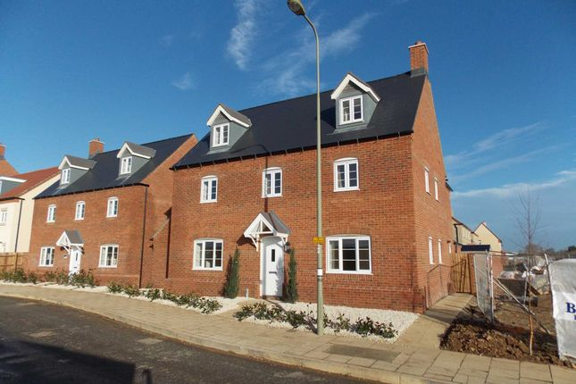 6 bed detached house to rent in Whitelands Way, Bicester