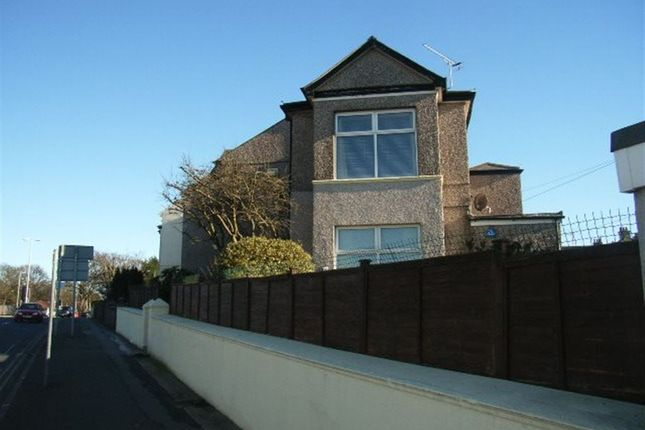 Flat to rent in Outland Road, Plymouth