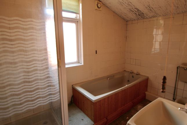 Bathroom of Windsor Avenue, Bensham, Gateshead, Tyne & Wear NE8