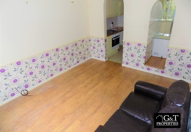 Living Room of Oldbury, West Midlands B69