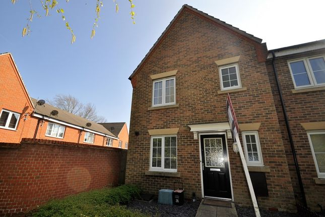 Thumbnail Semi-detached house to rent in Tunbridge Way, Singleton, Ashford