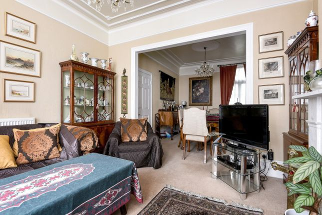 Thumbnail Property for sale in Narbonne Avenue, Clapham