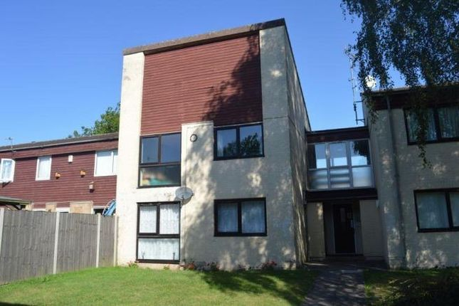 1 bed flat to rent in Dell Crescent, Northampton
