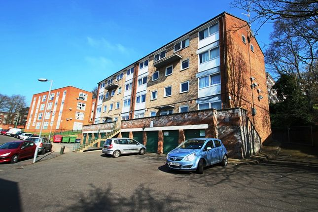 Flat to rent in Moulton Rise, High Town, Luton