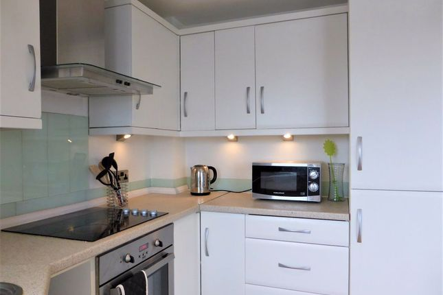 Thumbnail Flat to rent in Queens Road, Brighton