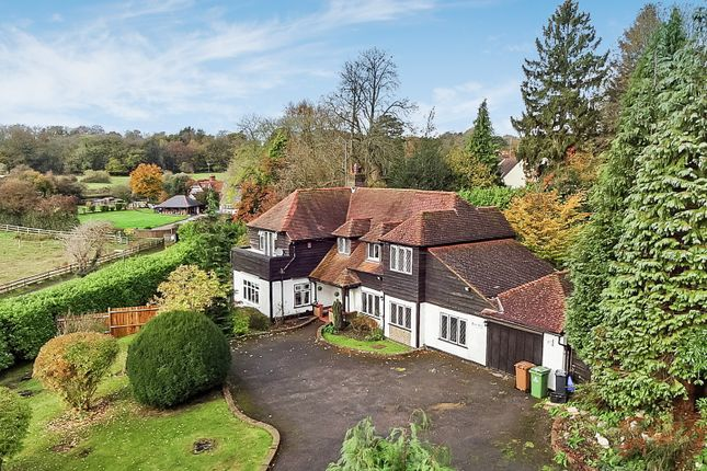 Thumbnail Detached house to rent in Waterhouse Lane, Kingswood, Tadworth