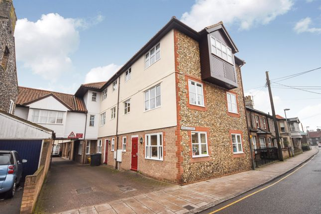 Thumbnail Flat for sale in Kings Court, Earls Street, Thetford