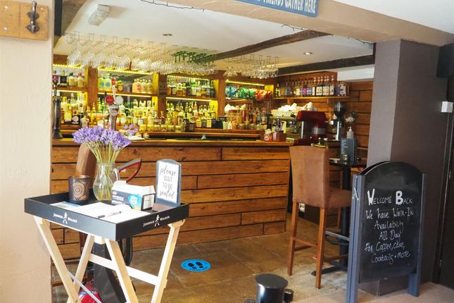 Thumbnail Pub/bar for sale in Licenced Trade, Pubs & Clubs HD8, Skelmanthorpe, West Yorkshire