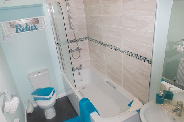 Bathroom of The Paddock, Westgate Park, Sleaford NG34