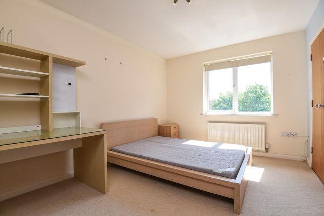 Master Bedroom of Iliffe Close, Reading RG1
