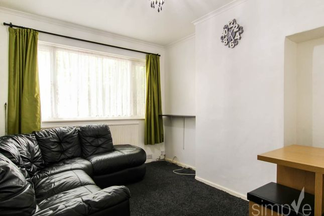 Thumbnail Flat to rent in Berwick Avenue, Hayes, Middlesex