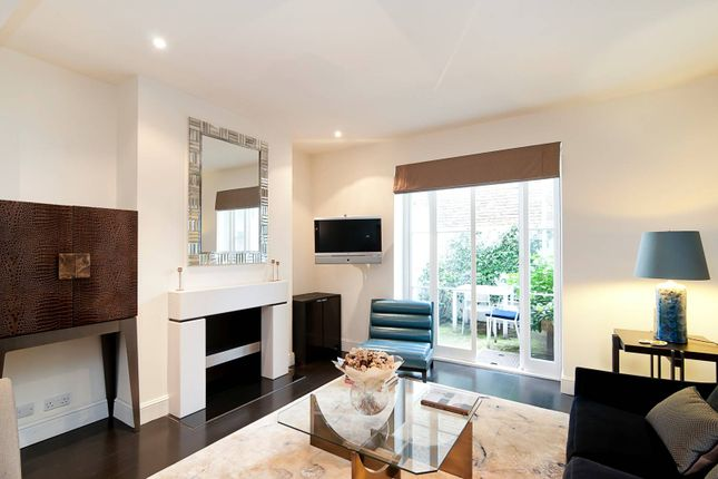 Thumbnail Property for sale in Markham Place, Chelsea