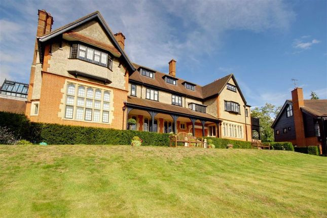 Thumbnail Flat for sale in Totteridge Green, London