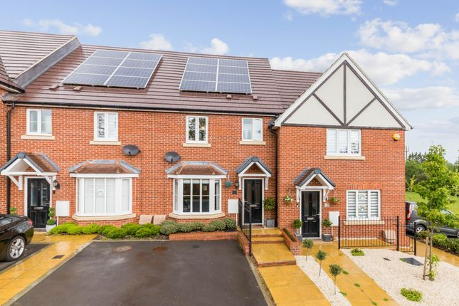 Thumbnail Terraced house for sale in Grange Road, Chalfont St. Peter