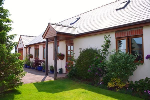 Thumbnail Bungalow for sale in St. Owens Cross, Hereford