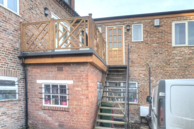 Thumbnail Flat to rent in High Street, Barton-Upon-Humber