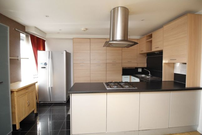Thumbnail Flat to rent in Berber Parade, London