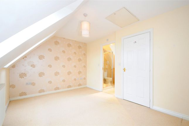 Thumbnail Semi-detached house to rent in Woodley Green, Witney