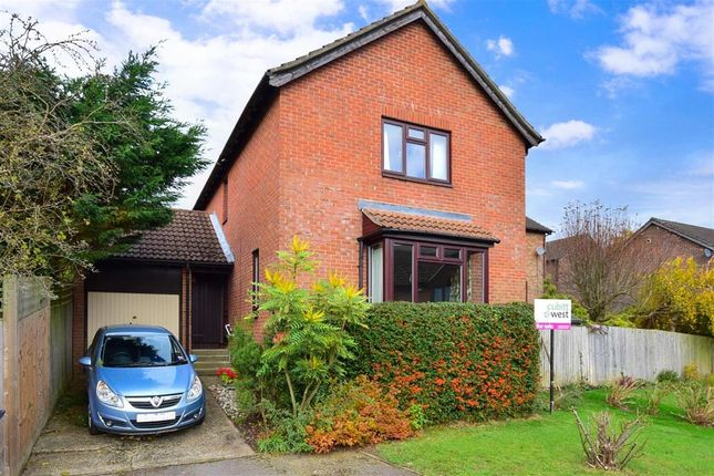 Thumbnail Detached house for sale in Willow Mead, East Grinstead, West Sussex