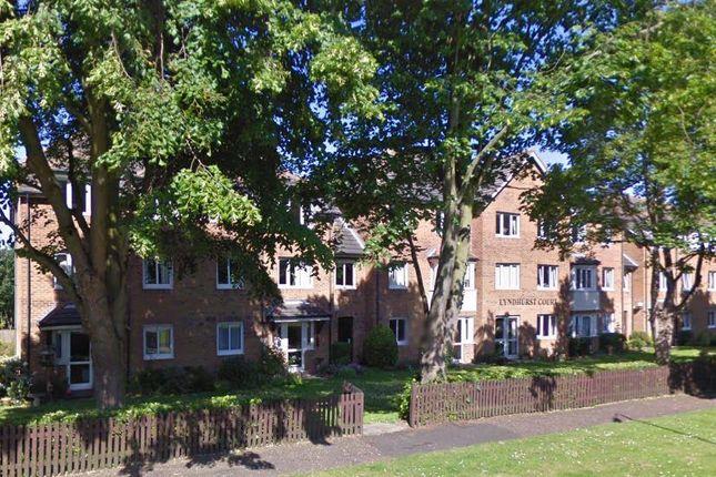 Thumbnail Property to rent in Lyndhurst Court, Hunstanton
