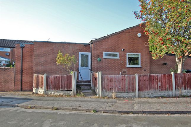 2 bed bungalow to rent in Honingham Close, Arnold, Nottingham NG5