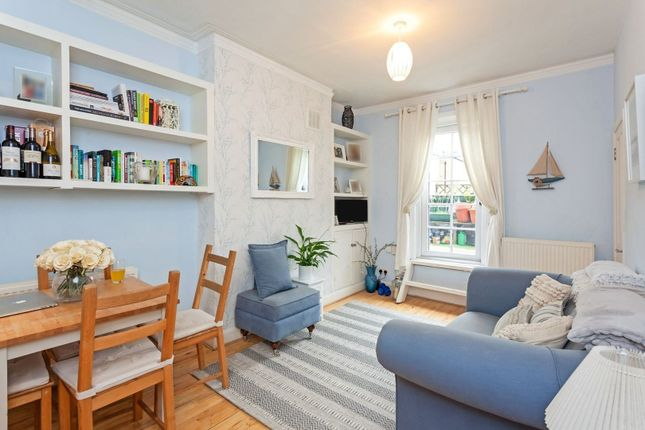 1 bed flat for sale in Queenstown Road, London SW8