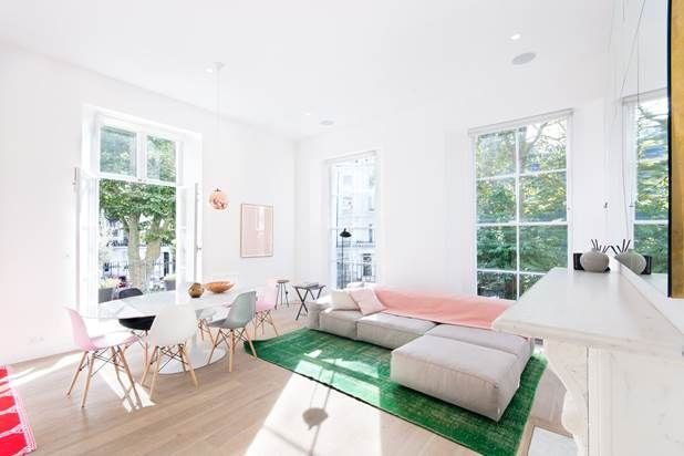 Flat for sale in Westbourne Gardens, London