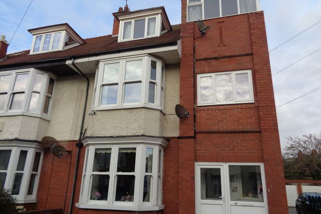 Thumbnail Flat to rent in Summerfield Road, E Yorkshire