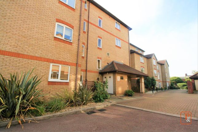 Thumbnail Flat to rent in The Dell, Colchester, Essex