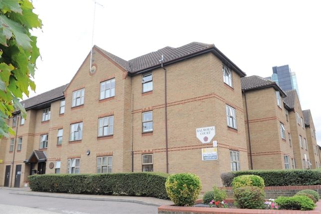 Thumbnail Property for sale in Balmoral Court, Springfield Road, Chelmsford, Essex