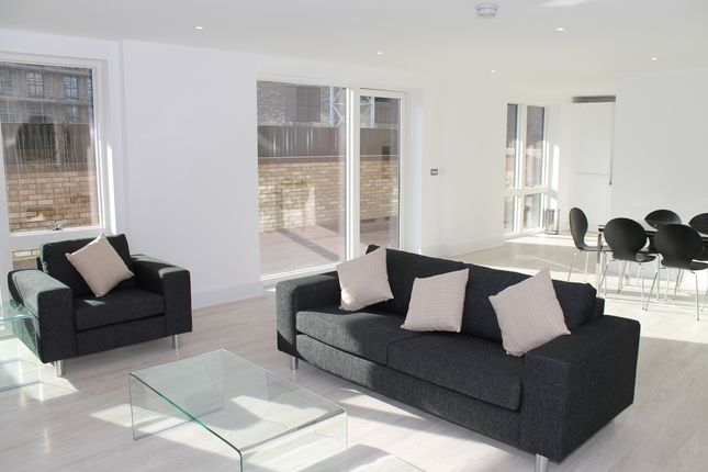 Thumbnail Flat for sale in Royal Waterside, Bodiam Court, Park Royal