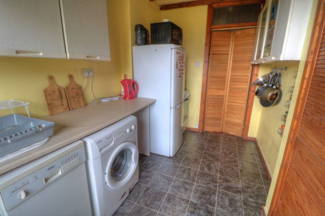 1.Kitchen of Kemnay Gardens, Dundee DD4