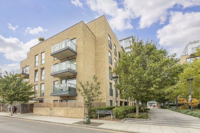 1 bed flat for sale in New Festival Avenue, London E14