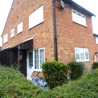 Thumbnail Semi-detached house to rent in Maple Drive, East Grinstead West Sussex