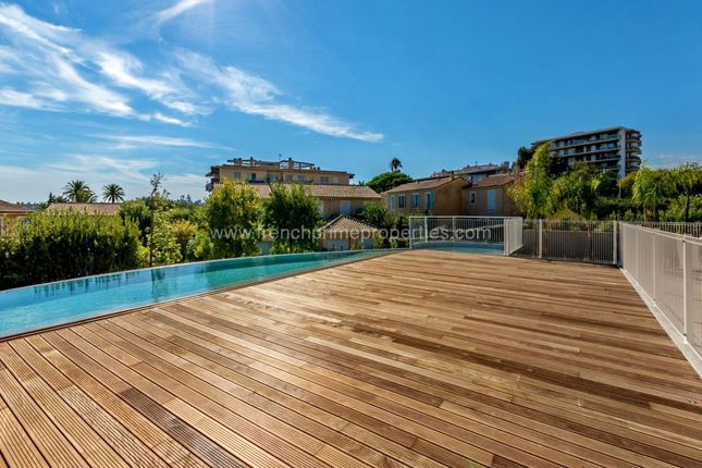 3 bed apartment for sale in Antibes, Provence-Alpes-Cote D'azur, France