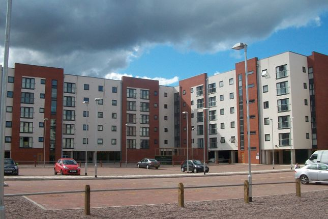 3 bed flat for sale in Pilgrims Way, Salford