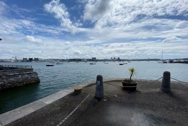 3 bed flat to rent in Marine Drive, Torpoint PL11